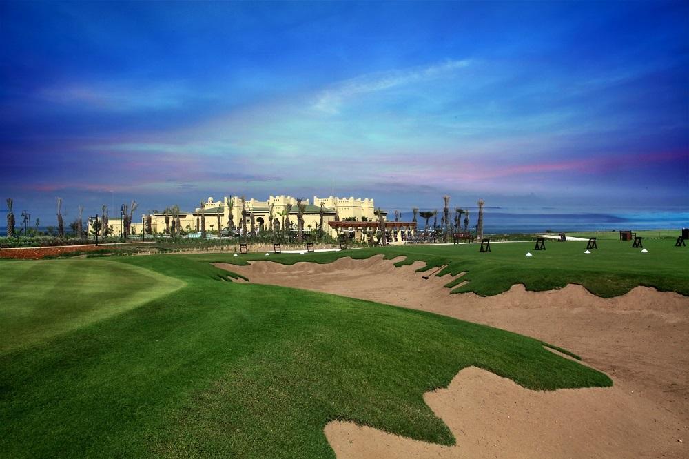 Un grand bunker du golf de Mazagan.