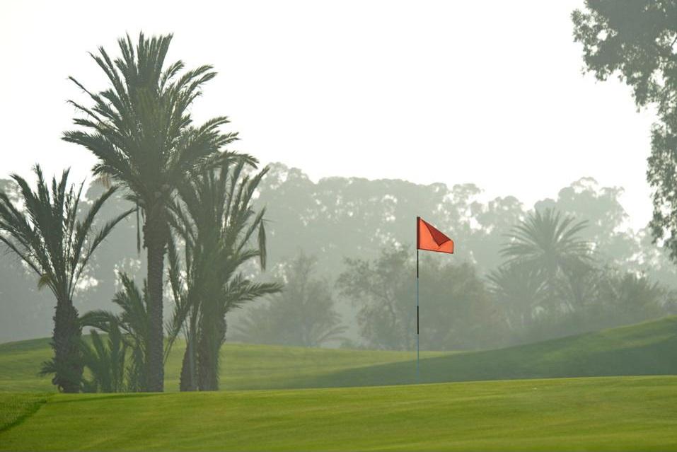 Le brouillard du golf des dunes.