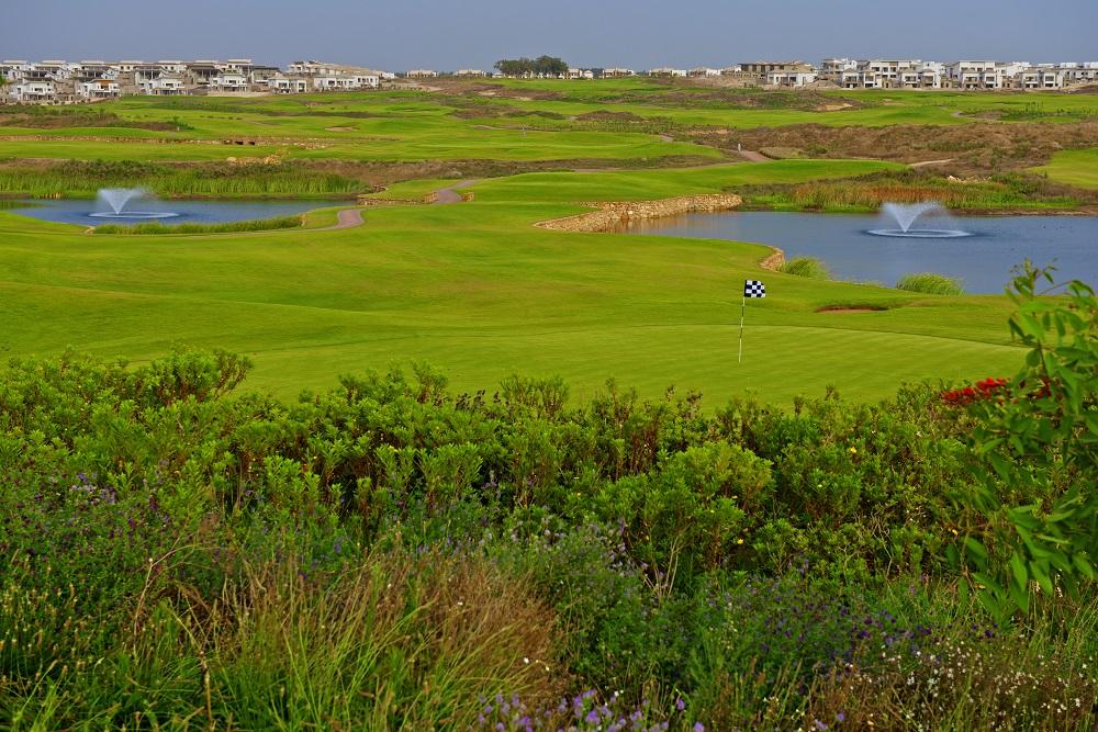 La vue depuis l'arrière d'un green du golf de Casa Green.