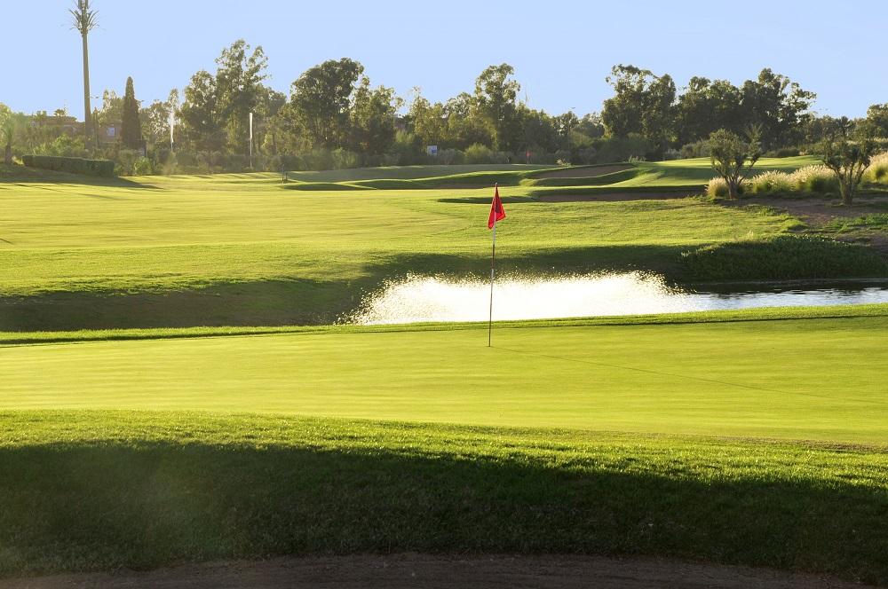 Le green d'un trou du golf de Palmeraie.