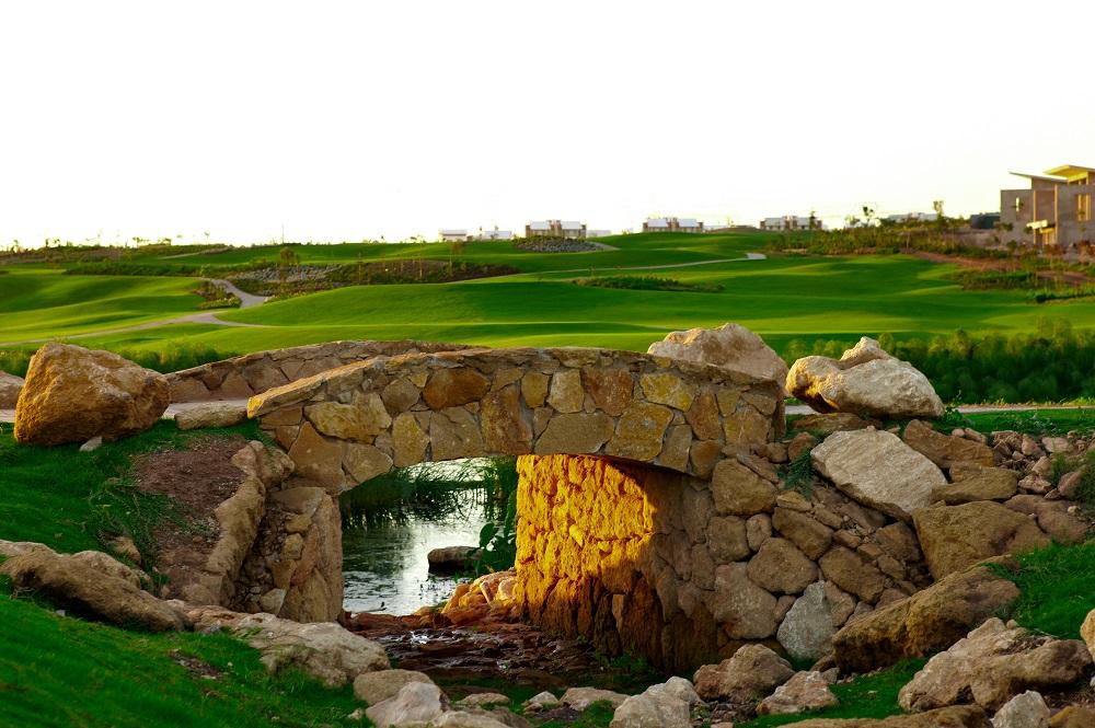 Le pont du golf de Casa Green.