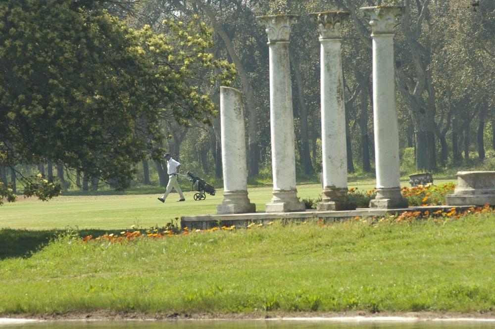Les colonnes du golf le Royal Dar Es Salam.