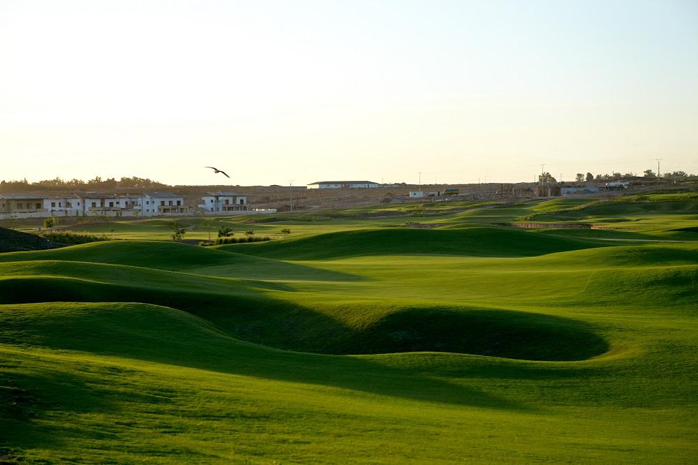 Le fairway vallonné du golf de Casa Green.