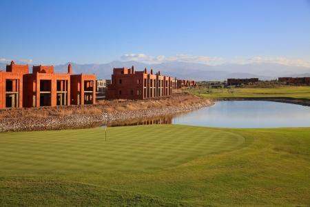 Large green et Resort sur le parcours Ourika Palm Golf au Maroc