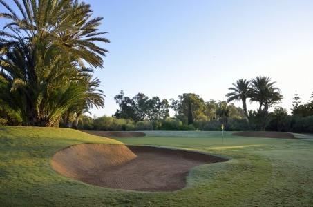 Green et bunker sur le golf du Soleil à Agadir