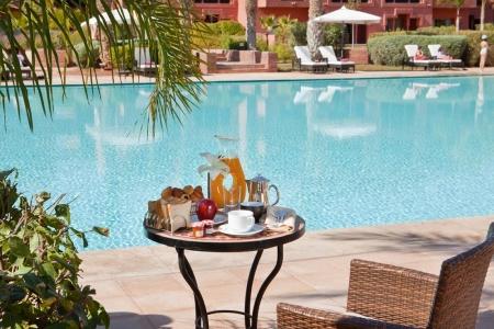 La piscine de l'hôtel Kenzi Menara.