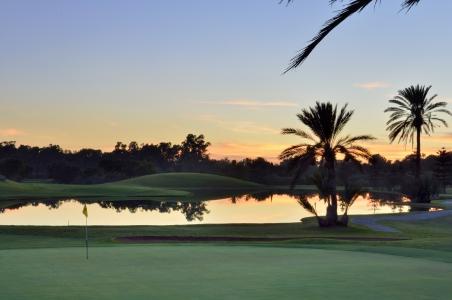 Le couché du soleil sur le golf du Soleil.