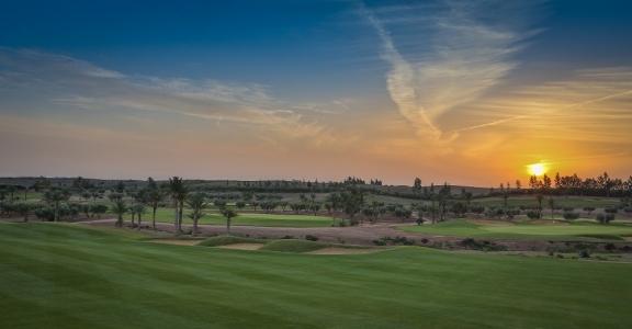 Coucher de soleil sur le golf Assoufid au Maroc