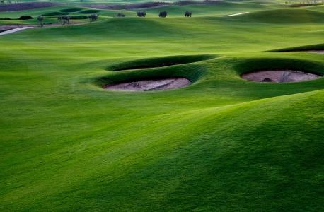 Les bunkers et le fairway du golf de Casa Green.
