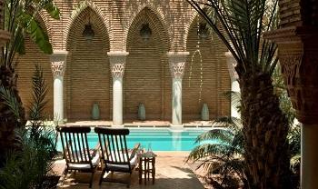 Piscine de l'hôtel de Luxe La Sultana à Marrakech
