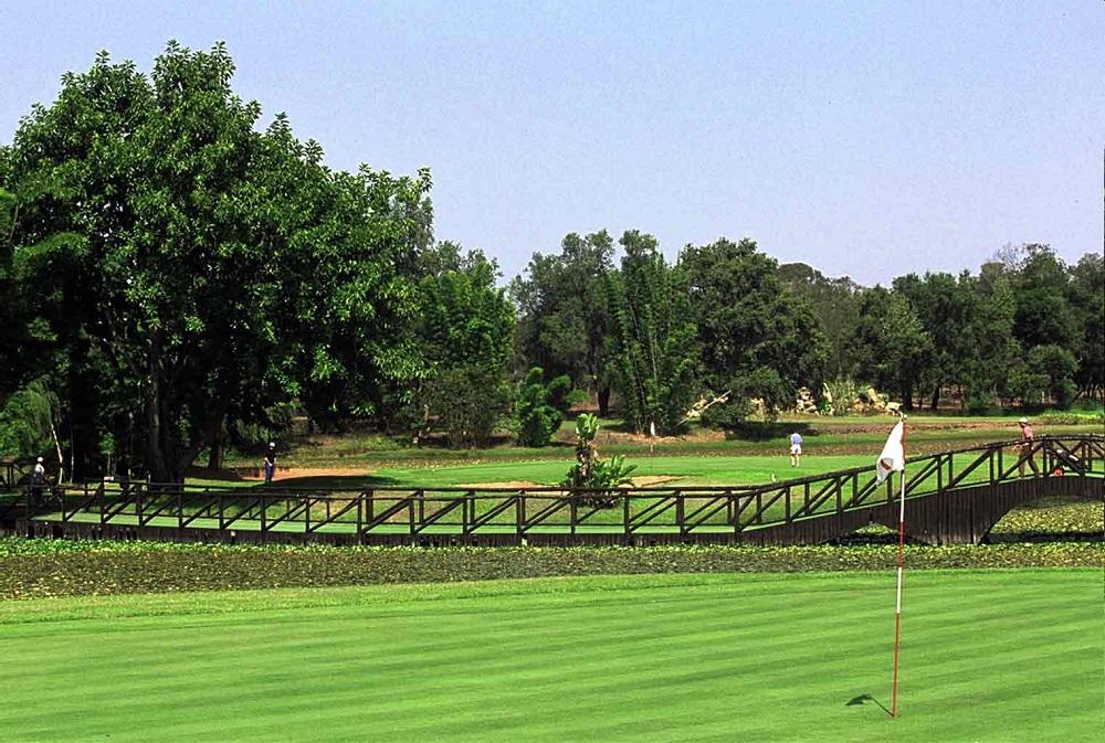 deux greens sur le golf royal dar es salam de Rabat